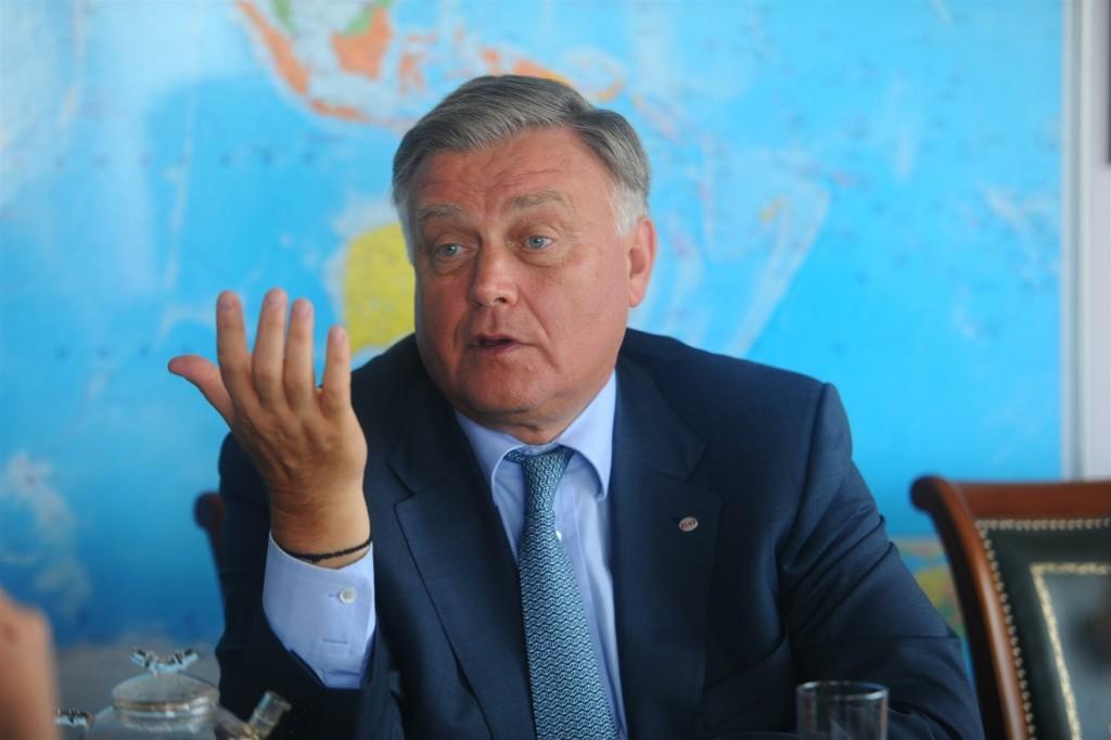 Владимир Якунин помогает Бокареву-Махмудову не только с госзаказами, но и с лоббированием кремлевских интересов во Франции