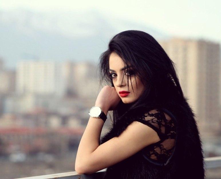 Ани Еранян Без макияж