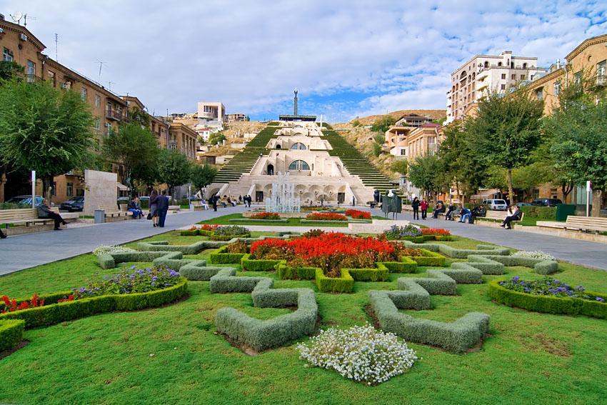 Ереван возглавил рейтинг самых популярных среди москвичей направлений на ноябрьские праздники