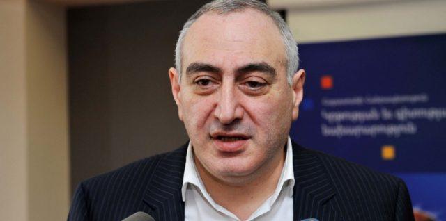 """Пашинян вернется к полупрезидентской системе правления, почувствовав необходимость в """"козлах отпущения"""""""