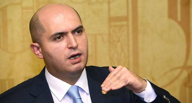 Ильхам Алиев отвлекает азербайджанцев Арцахом